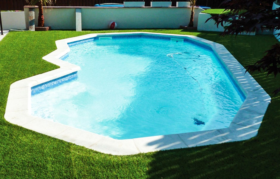 piscine coque polyester 2