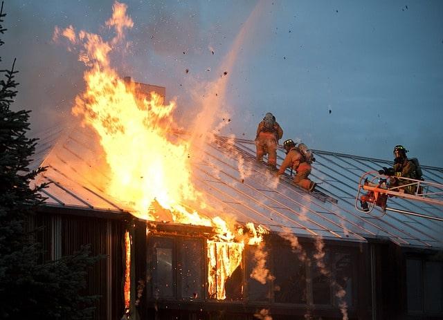 fire-89353_640